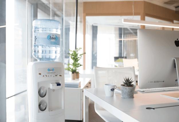 Fontaines d'eau de source pour entreprise